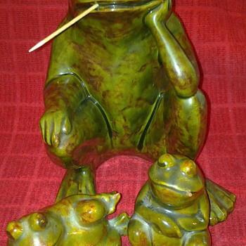 cigarette smoking frogs  - Animals
