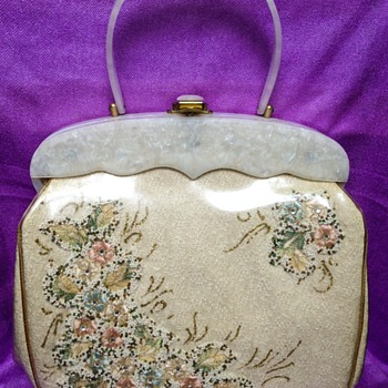 Purse with embroideries and lucite marble handle - 1950's