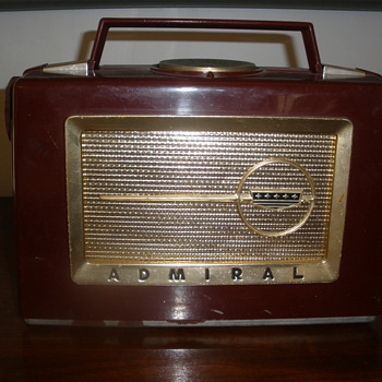 Admiral Radio model unknown NEED HELP