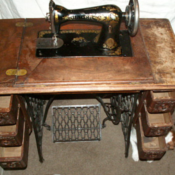 1887 Dated Singer Sewing Machine