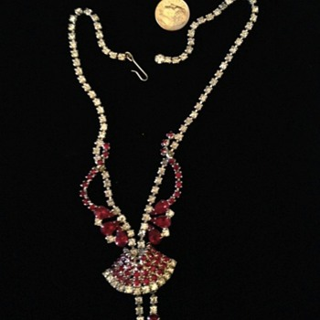 Unsigned Red & White Prong Set Closed Back Rhinestone Necklace - Costume Jewelry