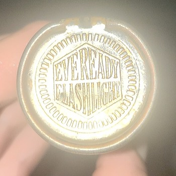 Very old Everlast Flashlight  - Lamps
