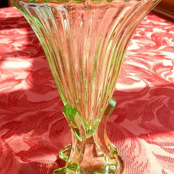"Uranium glass ""Rocket"" vase - Art Deco"