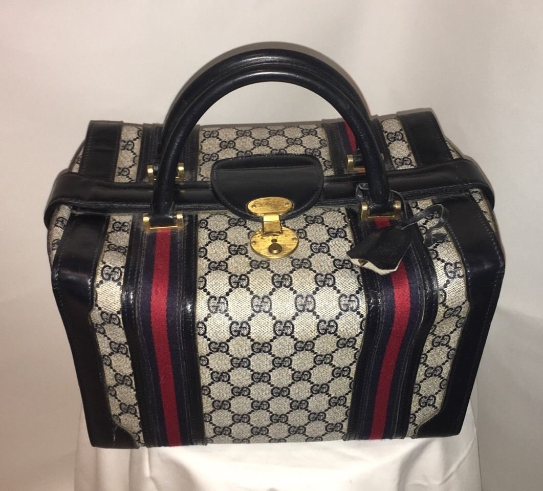 883cdafe1e3 Vintage Gucci 3 lock Train Case in Navy Blue