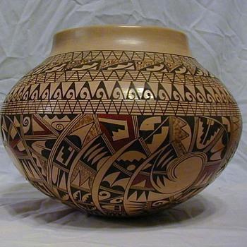 Antoinette Silas Tewa Hopi Revival pot - Native American