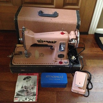 Atlas Sewing Machine from the 1950's - Sewing