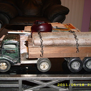 toy log truck - Model Cars