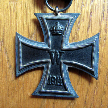 WWI German Iron Cross with original ribbon - Military and Wartime