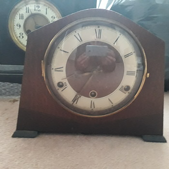 Old mantel clock - Clocks