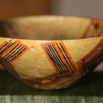 Two bowls made by a member of the Dagua family, Canelos, Ecuador - Pottery