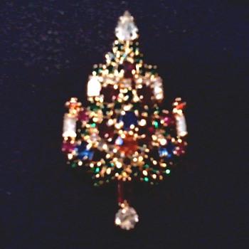 """Joseph Warner"" Christmas Tree Brooch /Circa 20th Century - Costume Jewelry"