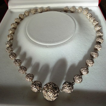 Antique silver filegree round beads necklace - Fine Jewelry