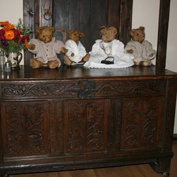 Heavily Carved 17thC English oak Dowry/wedding chest - Furniture