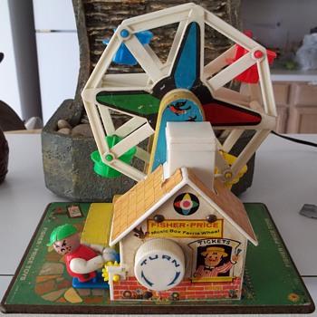 Fisher Price Music Box Ferris Wheel #969.