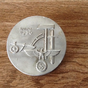 German May Day Tinnie Pin Badge - Military and Wartime