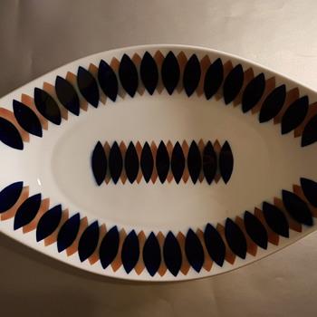 Sargadelos dinner plate - Mid-Century Modern