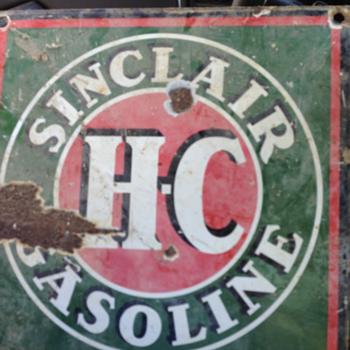 Sinclair gasoline sign - Petroliana
