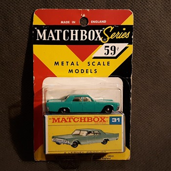 Many More Mothers Matchbox Monday MB 31 Lincoln Continental on Card 1969 - Model Cars