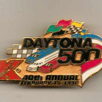 1998 - Daytona 500 / Kmart Pinback - Medals Pins and Badges