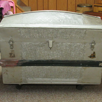 1870's pure zinc embossed metal trunk - Furniture