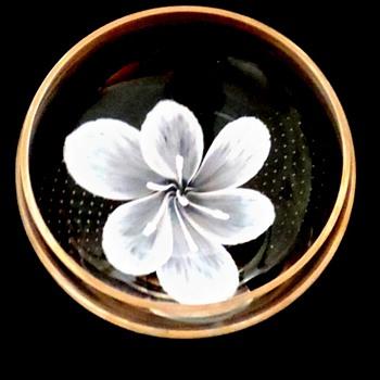 Art glass bowl  Caithness Scottish glass