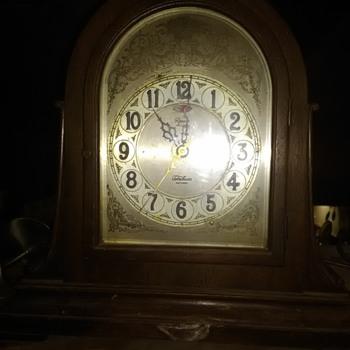 Revere telechron  electric winchester chime mantle clock - Clocks