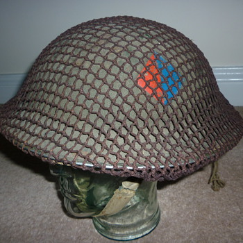 British WWII Artillery combat helmet - Military and Wartime