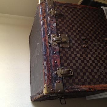 Louis vutton trunk  - Furniture
