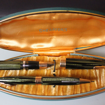 Sheaffer's pen and pencil set!