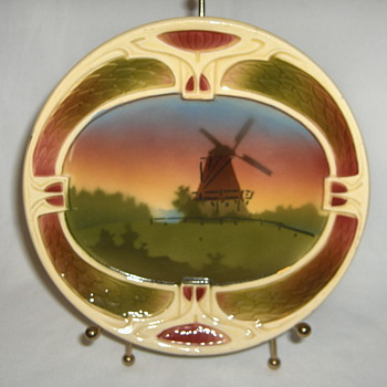 Holland Mania From Hungary Ceramic Deco? Small Wall Plate Marked - Pottery