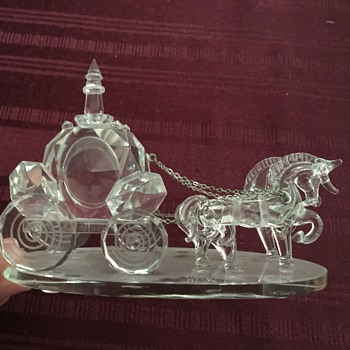 Shannon crystal horse and carriage - Art Glass