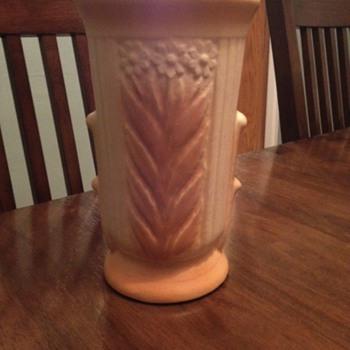 Mystery Art Pottery Vase Zanesville? Camark? Help Please :) - Pottery
