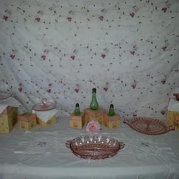 Beautiful Pink Depression Pieces - Glassware