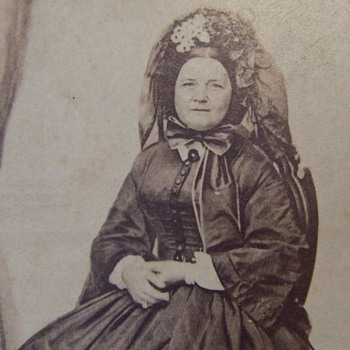 CDV photograph of Mary Todd Lincoln - Military and Wartime
