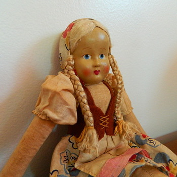 Cloth Doll from the Netherlands ? - Dolls