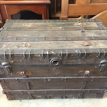 Trunk I bought today! Would like to know info on it... - Furniture