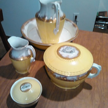 Johnson bros England semi-porcelain basin large pitcher