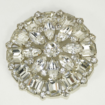 WEISS Rhinestone Brooch Vintage Signed - Costume Jewelry