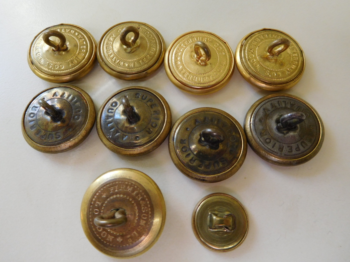 Ten Mixed Buttons: Civil War??? | Collectors Weekly