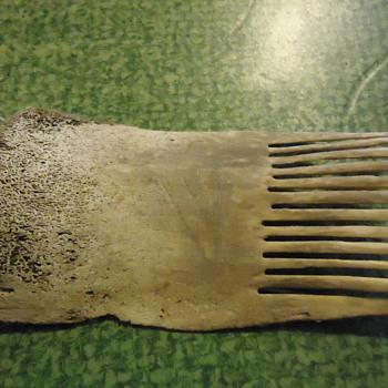 indian artifact,bone comb. - Native American