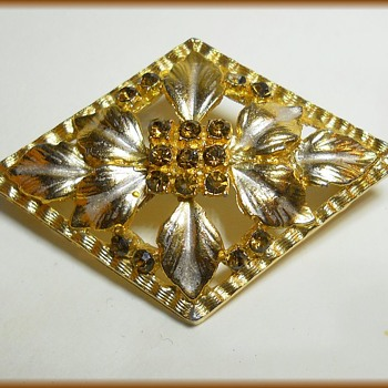 UNKNOWN Costume Brooch - Gold & Silvertone - Costume Jewelry