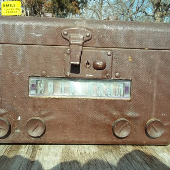 CARRY CASE RADIO