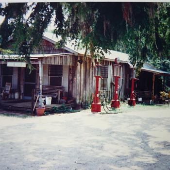 Gas station - Petroliana