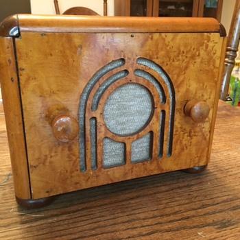 Silver Bell radio - Radios