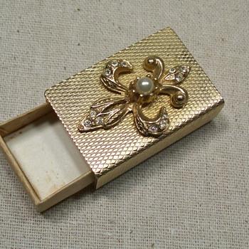 gold colored matchbox - Tobacciana