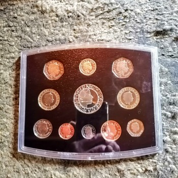 The golden jubilee UK coin set from 2003. - World Coins