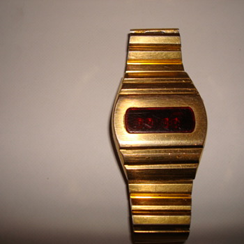 who can tell me what make this is - Wristwatches