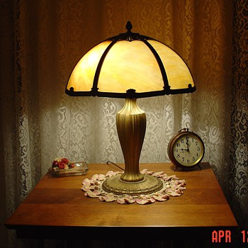 Table Lamp...Slag Glass..Six Panels - Lamps
