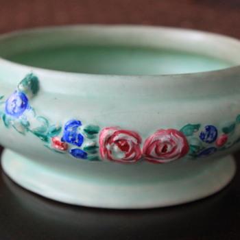 VINTAGE POTTERY VASE - Pottery