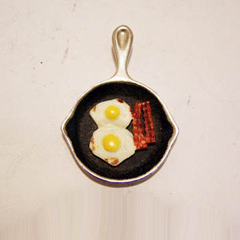 Vintage Luca Razza Skillet with Sunny Side Up Eggs and Bacon Pendant
